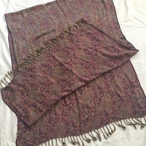 Accessories - Beautiful paisley shawl/scarf
